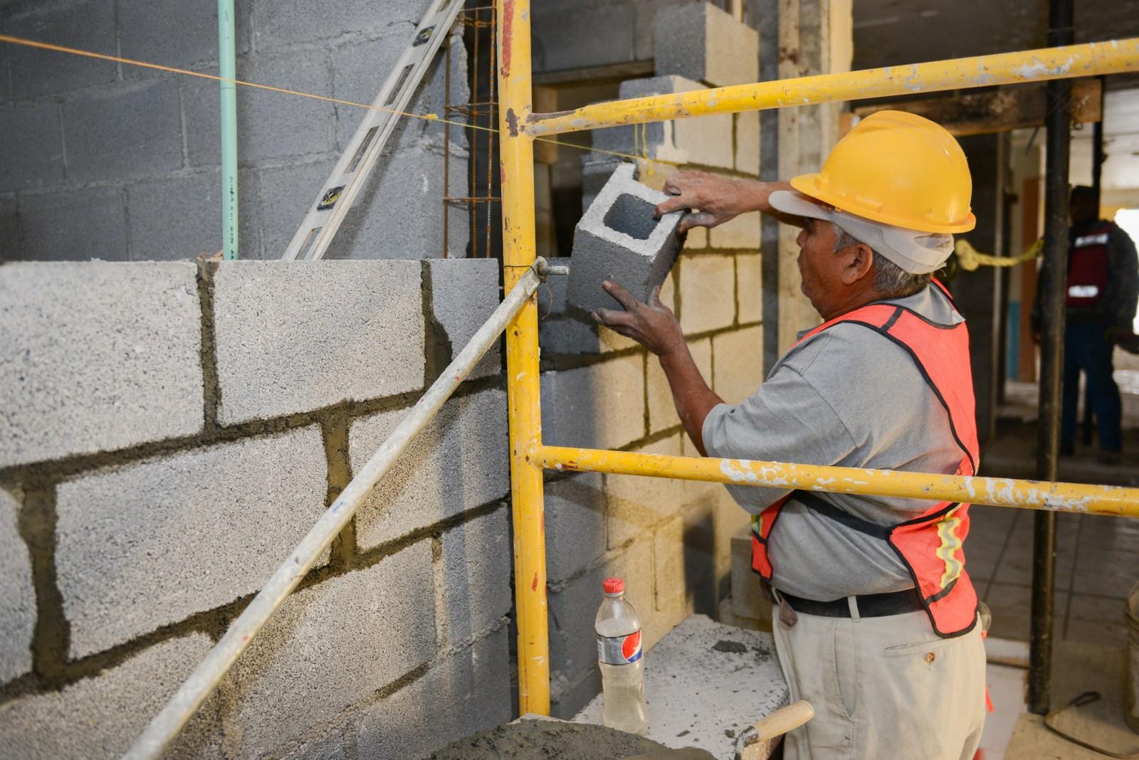 Cae gasto en construcción 8.3% a tasa anual; su peor contracción en dos años