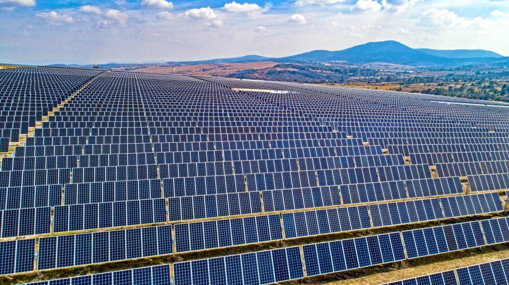 Se alcanzan 100 mil contratos de energía solar en México; 75% en viviendas
