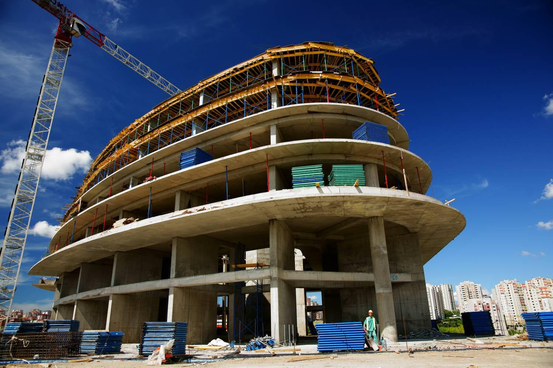 Hasta 81 requisitos y 225 días para obtener licencias de construcción