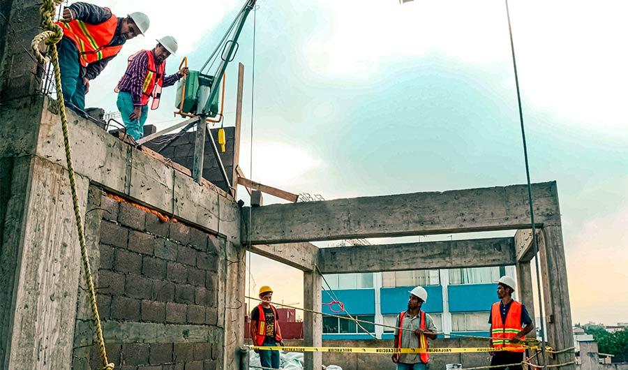 Construcción inicia operaciones en la CDMX con semana laboral reducida