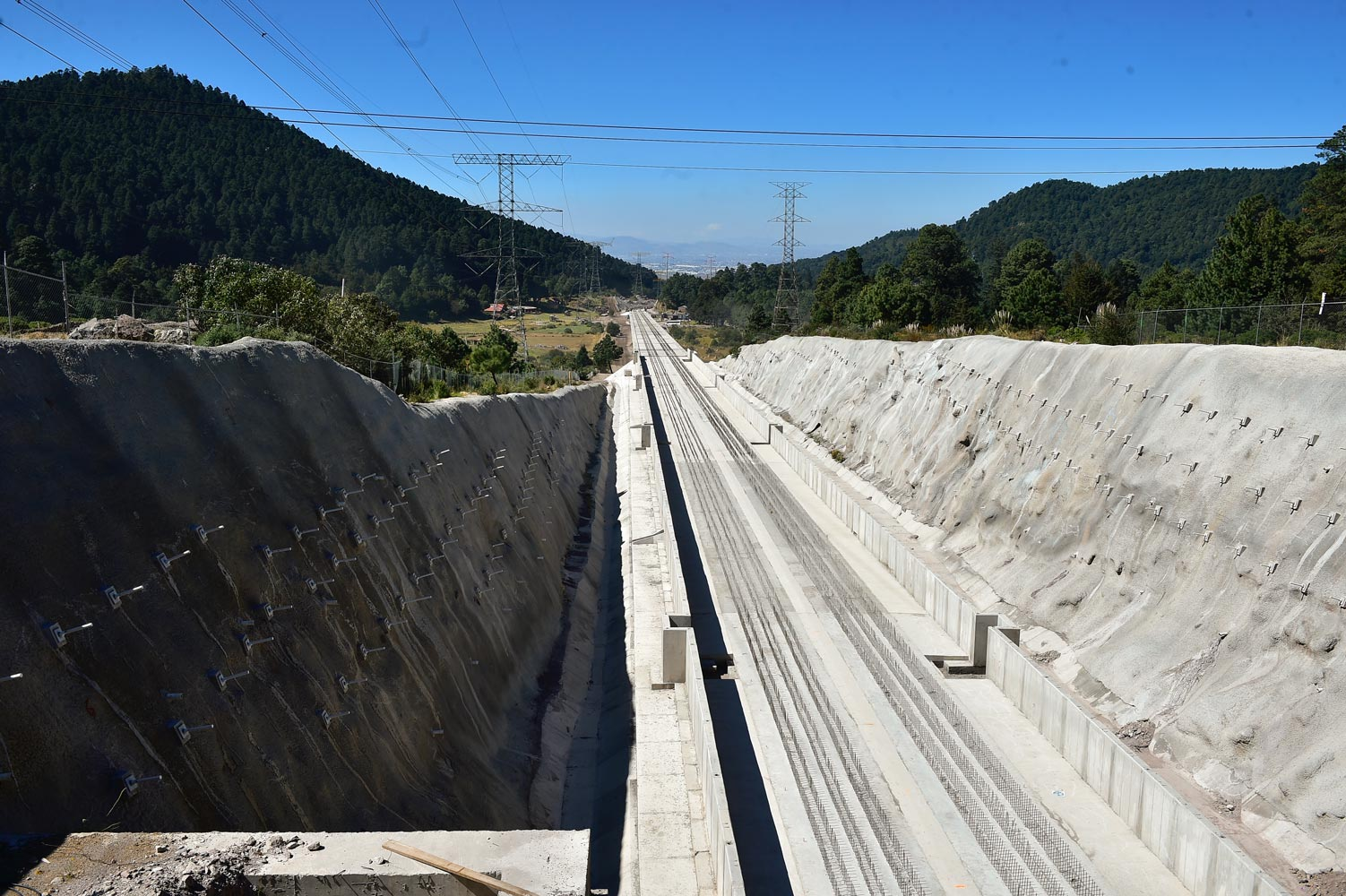 Va gobierno federal por 2 mil km de vías para trenes modernos