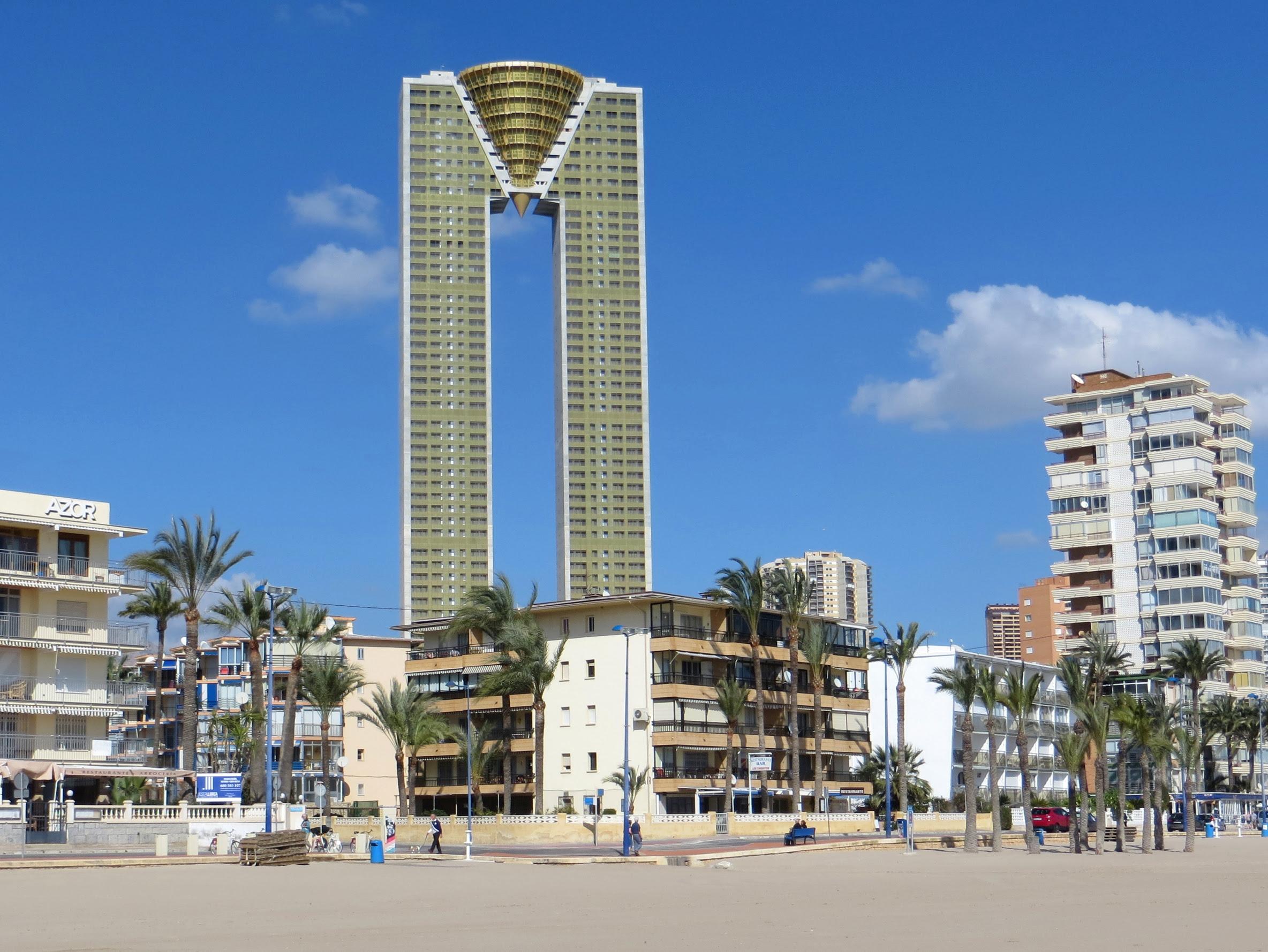 Intempo Sky Resort: tras 15 años concluyen el residencial más alto de Europa